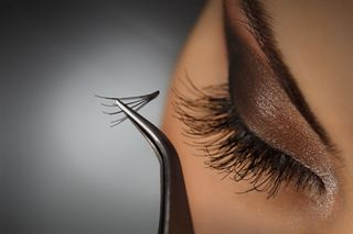 Picture of Eyelash Extensions - (half Set)